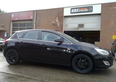 16'' InterAction Ice Black.Opel astra