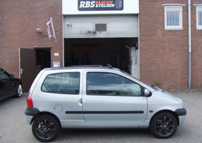 Renault Twingo met 14'' Borbet LV4 velgen